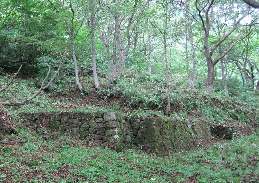 鉱山事務所跡の石垣
